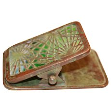 Tiffany Studios Pine Needle Paperclip, #971, in Excellent condition with beautiful green slag glass (no cracks) and great patina, circa 1910