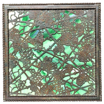 Rare Tiffany Studios Grapevine large Handkerchief box, 824, in exceptional condition, circa 1910 (no cracks, no damage, no repairs)