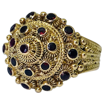 Vintage Etruscan Style Ruby in 18K Gold