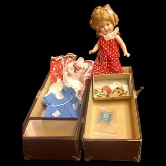 Shirley, Original Trunk, Clothes