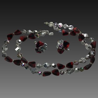 Vendome Red Black Art Glass Mirror Crystals Necklace Earring clip set signed  Multi strand (2)