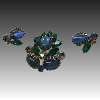 Vintage Juliana Blue Green Rhinestone Pin  Brooch Earring  Clips Set  Open Back  Dog Tooth Prongs