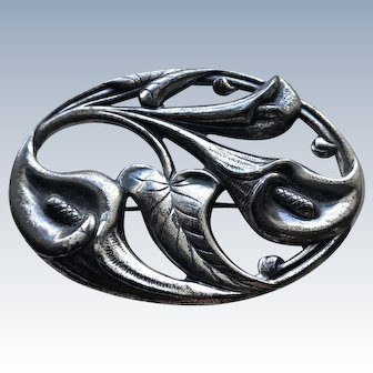 Sterling Danecraft oval brooch depicting callalily flowers and leaves