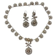 19th Century Spanish Necklace and earrings in filigree gilded metal and aljófar pearls