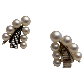 Vintage Mikimoto Ladies Silver Cultured Akoya Pearl Earrings Beautiful 042019-E1