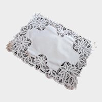 Antique Linen Centerpiece With Hand Made Lace Border