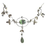 Antique 14k Gold Peridot & Pearl Lavalier Necklace