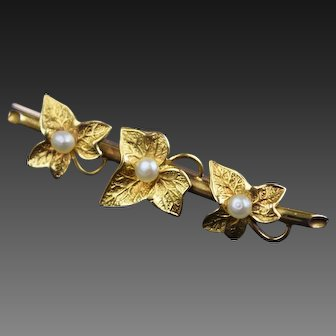 Ivy Brooch, 15ct gold and pearl Ivy bar brooch.