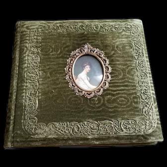 Antique Victorian Style Emerald Green Crushed Velvet Scrap-book/Photo Album (Circa 1900)
