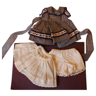 """Vintage Three (3) Piece Doll Outfit for 8"""" to 10"""" Doll."""