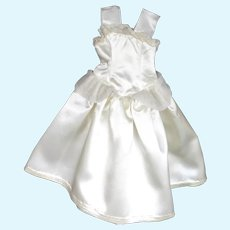 """Beautiful 1940's - 1950's White Satin Gown for Hard Plastic 12"""" to 14"""" Doll."""