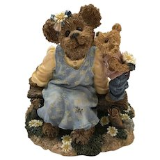 "Boyds 2001 Mother's Day Special Occasion Edition ""Momma McBruin with Munchkin - I Love You"" [#82508]"