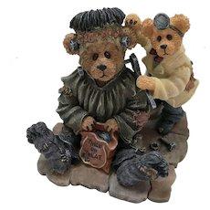 "Boyds 2000 Halloween Special Occasion ""Frankie & Igor … Minor Adjustments"" Figurine [#81007]"
