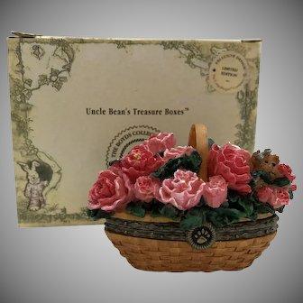 "Boyds 2005 ""Collectors Club Longaberger May Series Miniature Peony Basket w/Petal"" Treasure Box  [392158LB]"