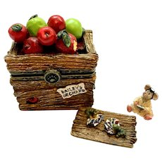 Boyds CANDICE'S APPLE CRATE with Doc McNibble Treasure Box  392105