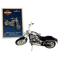 "Hallmark Collector's Harley Series 2005  ""2000 SOFTAIL DEUCE MOTORCYCLE"" Die-Cast Ornament"