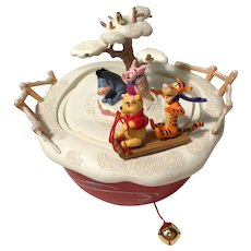 "2006 Hallmark ""Swooshing Through the Snow"" Pooh MAGIC Keepsake Ornament"