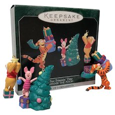 1998 Hallmark Tree-Trimmin' Time Winnie the Pooh Miniature Ornament Set