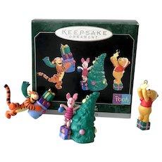 1998 Hallmark Tree-Trimmin' Time Winnie the Pooh Miniature Ornament Set