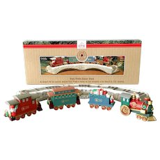 1991 Hallmark Claus & Co. R.R. Train Trestle Display Stand with Four Car Ornaments
