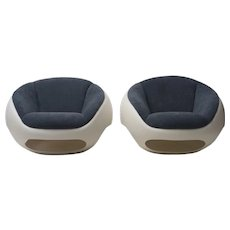 Pair of Fiberglass Lounge Chairs by Mario Sabot