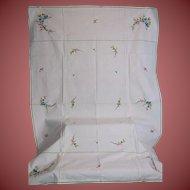 "55 x 37"" Gorgeous Embroidered White Cotton Table Cloth"