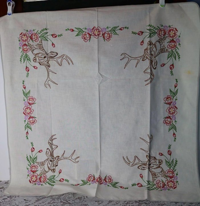 Fabric/textiles Analytical Stunning Vintage Hand Embroidered Tablecloth With Embroidery Floral Design