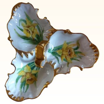 """Hand-painted Daffodil Candy Dish, signed """"J. Maxwell"""""""