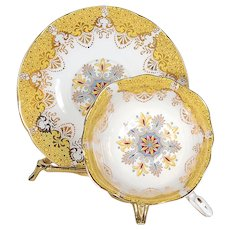 Paragon White/Yellow Scalloped Border with Gilded Designs Teacup & Saucer