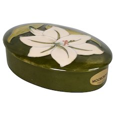 Moorcroft Bermuda Lily Oval Trinket Dish