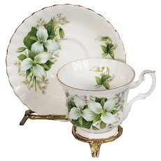 5 Royal Albert Trillium Teacups & Saucers