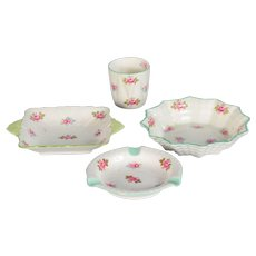4 Pieces of Shelley Rosebud Dishes