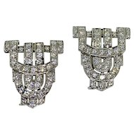 French Art Deco Set of Two Diamond Platinum Clip Brooches
