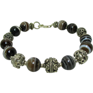 Vintage Estate BANDED AGATE Bead Bracelet with Alternating 925 Sterling Silver Beads - 7.75 Inches Long