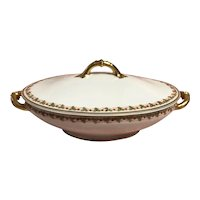 Limoges oval covered vegetable dish with strawberries by Theodore haviland co. Circa 1893-1930s