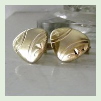 Gold Tone Unsual Shape Etched Cufflinks