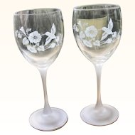 Pair Avon Etched Hummingbirds Lead Crystal Water Wine Goblets