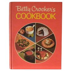 As New Vintage Betty Crockers Cookbook Red Pie Cover Mint
