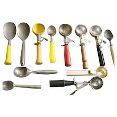Collection 12 Vintage Ice Cream Scoops Croford, Peerless,Arnold C.Eichin, German etc.