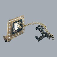 10K Gold Seed Pearl Skull Crossbones Hands Sorority Fraternity Pin Eta Epsilon Gamma