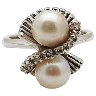 14k White Gold Vintage Double Pearl Diamond Ring