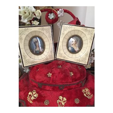 """Pair of French """"ivoirine"""" or bakelite frames with lovely small painting portraits 1900"""