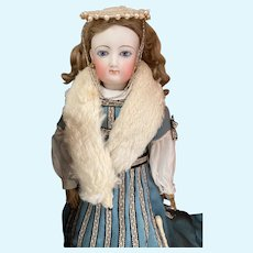 Lovely white ermine fur doll scarf for French poupée