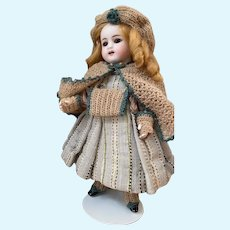 Very endearing 5-Piece French antique woolen set for all bisque doll size 5