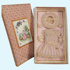 Endearing 5-Piece French antique crochet set for all bisque in size 3 in beautiful presentation box!