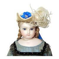 Aux Dames françaises hat box and hat for French fashion doll