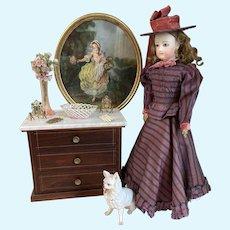 """Very nice antique porcelain """"Vieux Paris"""" basket doll size!"""
