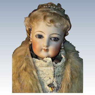 17 inch French Fashion FG Almond-Eyed Doll