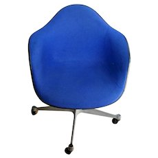 Vintage Mid century Herman Miller Chair Rare Dodger Blue Tweed Rolling spins adjustable