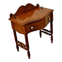 Vintage side Table with drawer small vanity Pulaski Furniture USA Colonial style